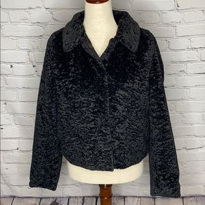 DIVIDED BY H&M SHORT FAUX FUR JACKET IN BLACK
